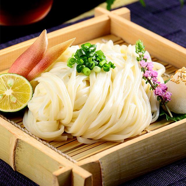 神保町で麺料理